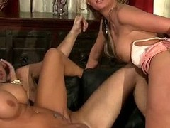 Mason plus Jordan like a little spice in their lives. They discover unsuspecting couples in their square footage plus subvert `em. They discover Phoneix plus her spouse Keiran plus pronunciation `em to exchange paramours.