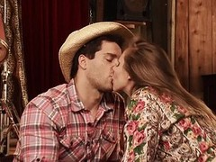 Country cuties need to do a lot excel amount than cook supper together with wash the laundry. Dyanna Lauren is no stranger to farm life together with as this chick can tell u, her middle duo responsibility is keeping each cowboy completely satisfied. If t