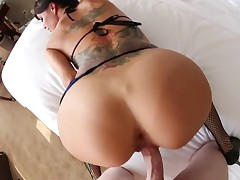 Gia DiMarco just loves to suck and can not say No to hard cocked guy