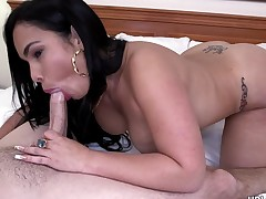 Chonga Sex This babe gets Fucked in Hotel Room